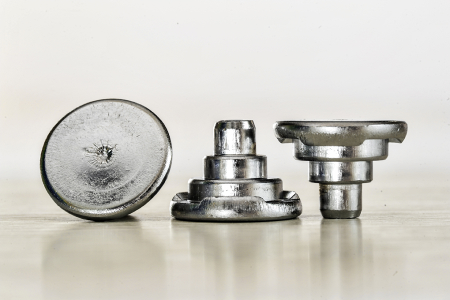 cold-forming-cold-formed-fasteners-parts-13_Bolzen_gebuckelt